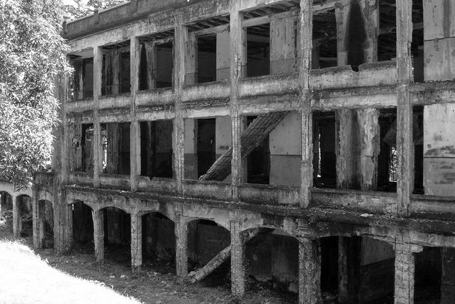 war-ruins-1229118-638x425